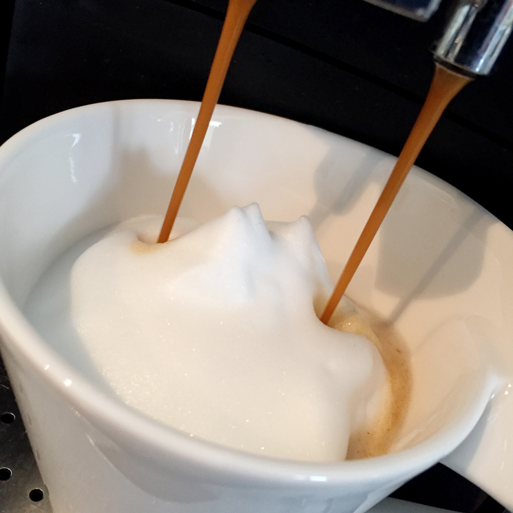 schmackofatzo-de_milchaufschaumertest-com_nespresso_aeroccino_3_10